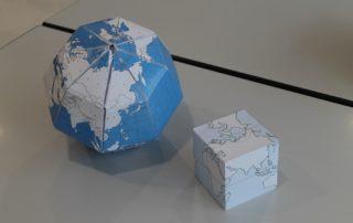 Globes en papier
